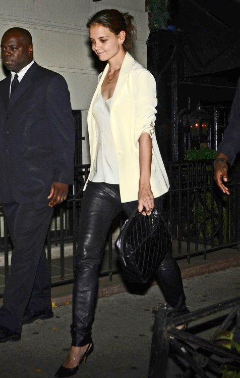Katie-Holmes-gave-warm-weather-leather-spin-chic-white