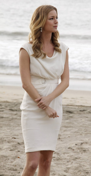 emilys-white-dress-beach-wedding-301x580