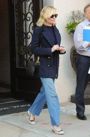 Kirsten-Dunst-Wearing-Jeans-Coat