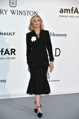 Kirsten+Dunst+Suits+Skirt+Suit+ifBMHtXyxVvl