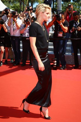 Kristen-Stewart-Cannes-Film-Festival-2016-American-Honey-Movie-Premiere-Red-Carpet-Fashion-Chanel-Couture-Tom-Lorenzo-Site-8