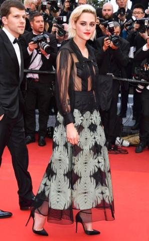rs_634x1024-160512131441-634.Kristen-Stewart-Cannes.ms.051216